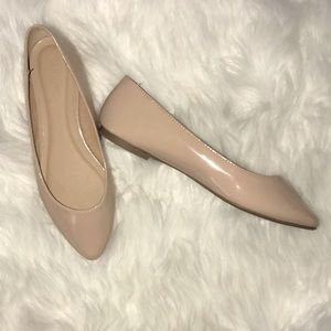 Old Navy Nude Flats Size 7 NWOT